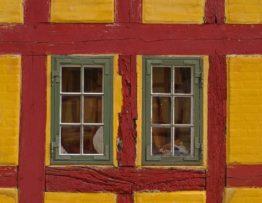המדריך לתיקון צירי חלונות פתיחה